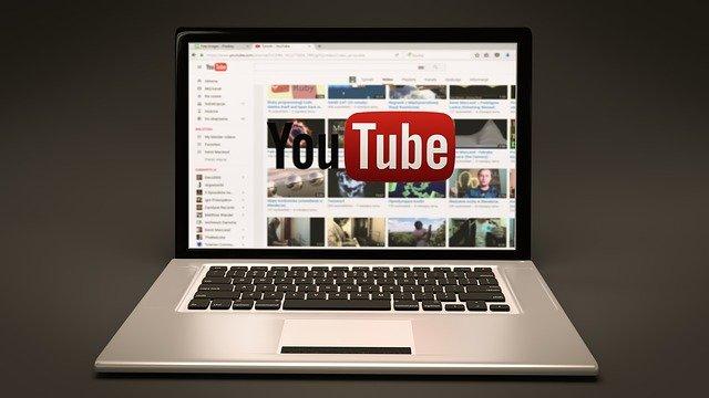 YouTubeに歌ってみた動画を投稿